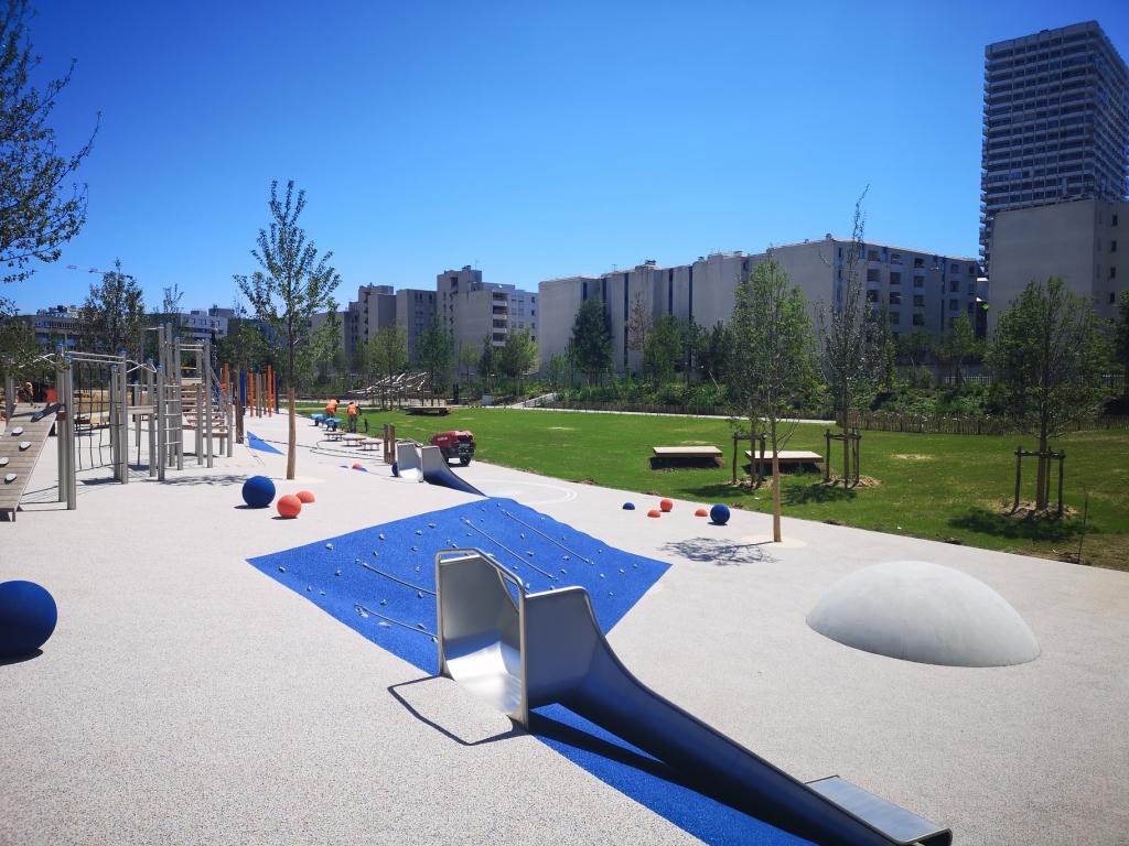PARIS - Aménagements des aires de jeux du Parc Chapelle Charbon